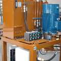 Hydraulic unit for supplying the output area of the coils pickling line